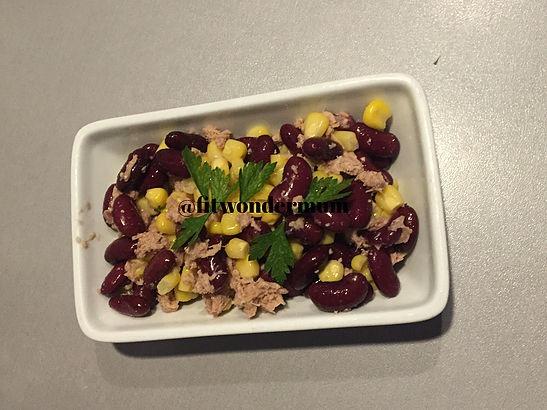Salade d'été : thon, haricots rouges , maïs